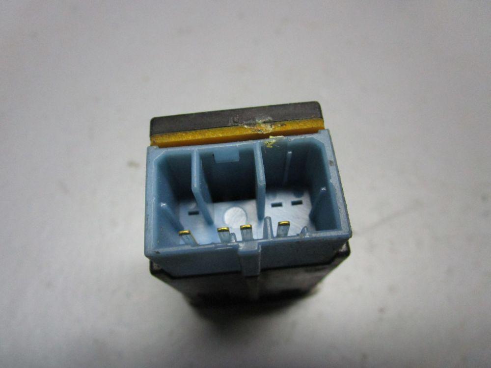 MAZDA-626-IV-GE-2-0-D-GLX-Schalter-Leuchtweitenregelung
