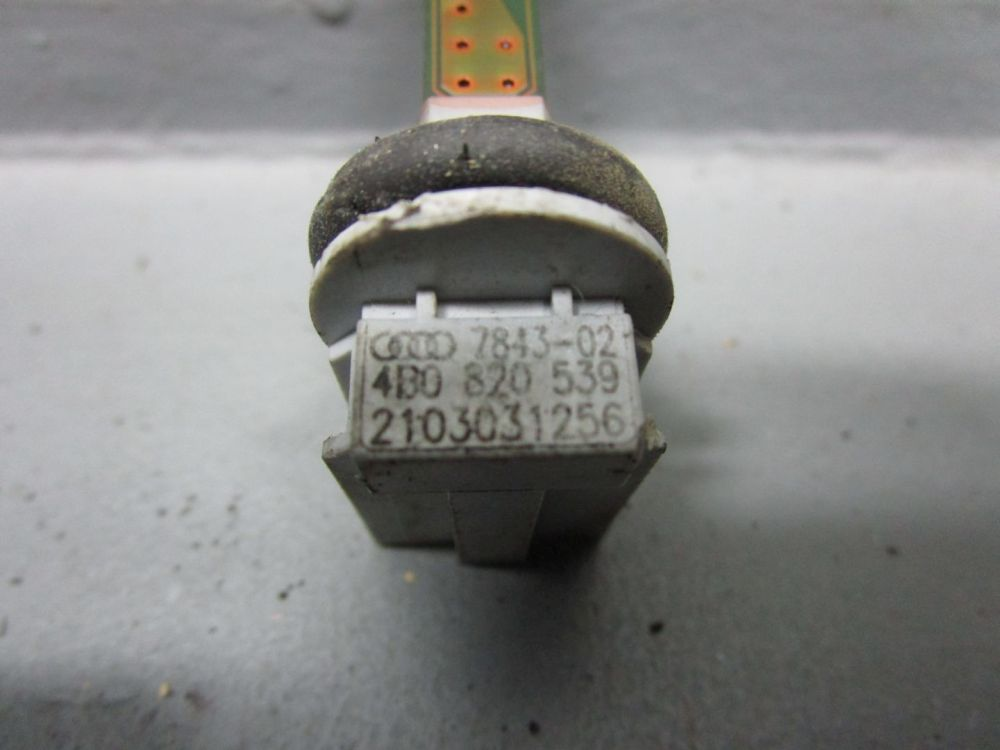 AUDI-A6-4B-C5-2-5-TDI-QU-KOMBI-Sensor-4B0820539-Temperatursensor-Klima