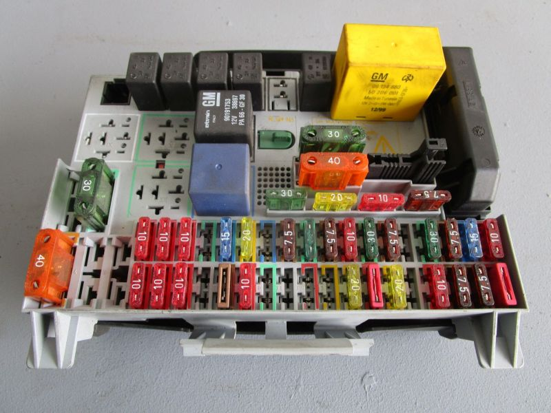 fuse box in astra mk4 | online wiring diagram astra h fuse box guide