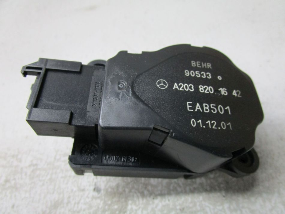 Stellmotor Heizung Klima 2038201642 MERCEDES-BENZ  C-KLASSE T-MODEL C 220 S203
